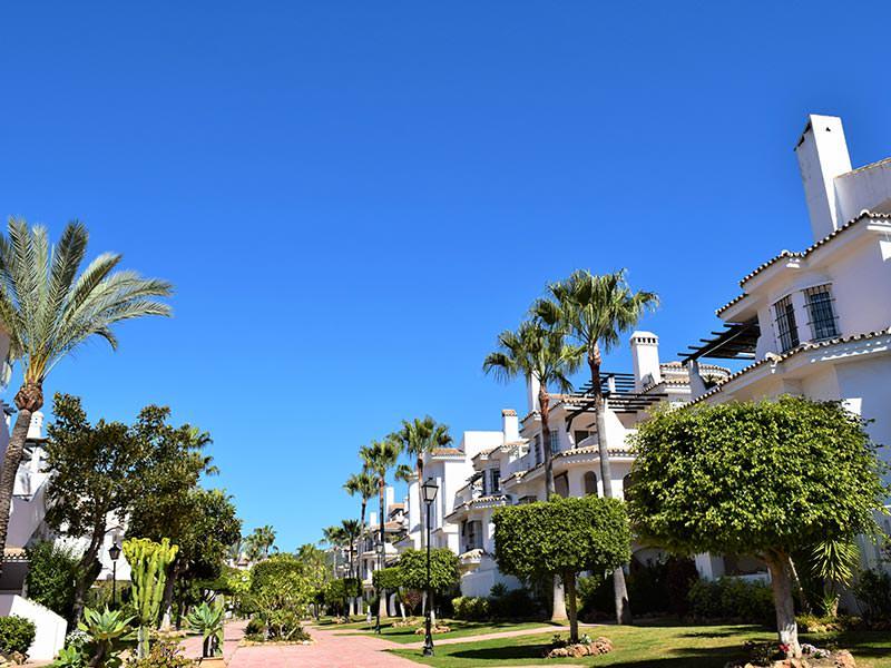 Paseo Central de Los Naranjos de Marbella